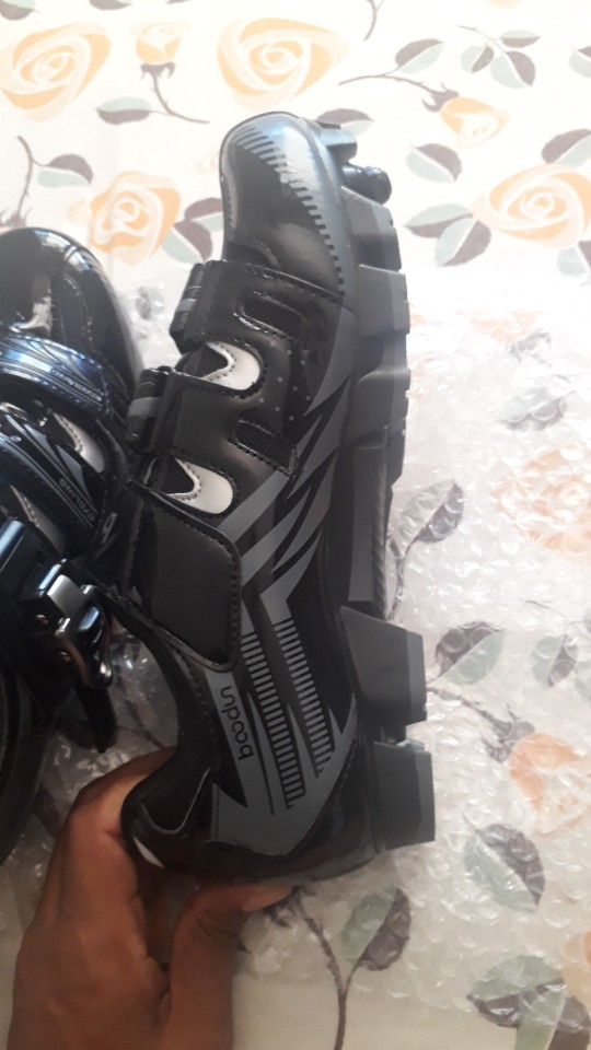 -- Sapatos Adulto Criança