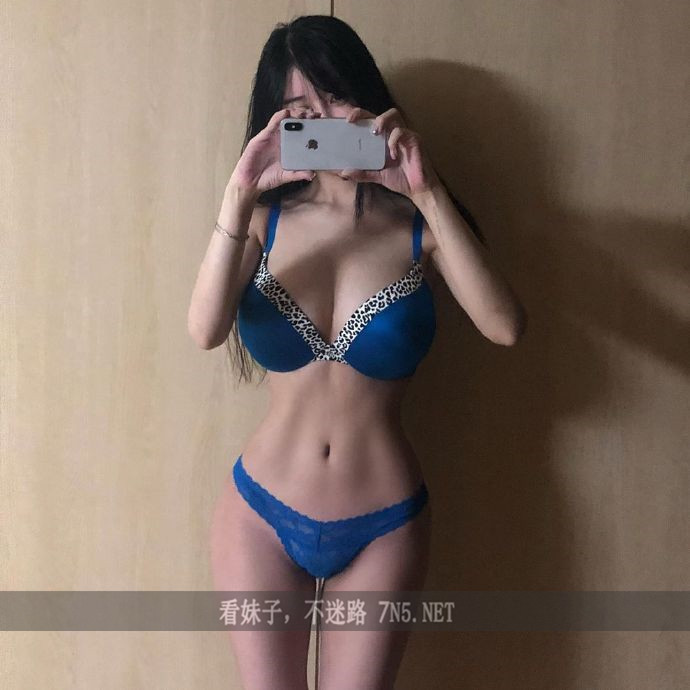 拥有漫画海贼王娜美身材韩国美女主播李秀彬美图录[267P] [爱看资源网www.qqloser.com]
