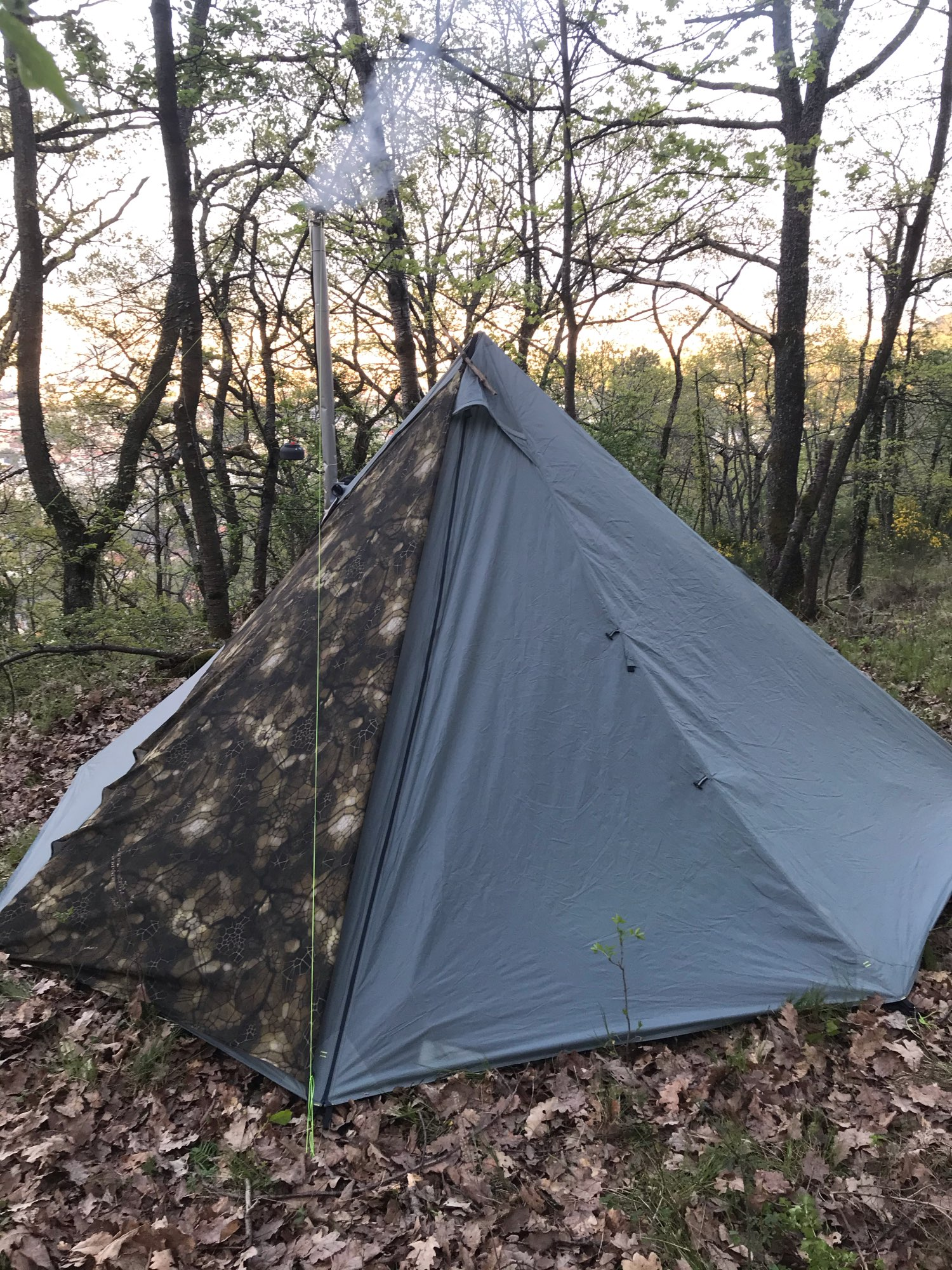 Aricxi 3-4 Person Ultralight Outdoor Camping Teepee 20D Silnylon Pyramid Tent Large Rodless Tent Backpacking Hiking Tents
