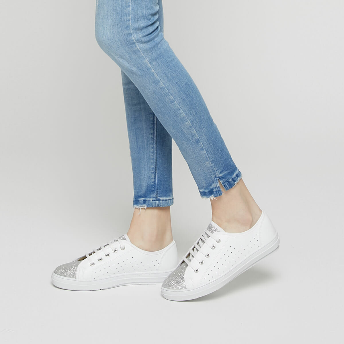 FLO CS19052 White Women 'S Sneaker Shoes Art Bella
