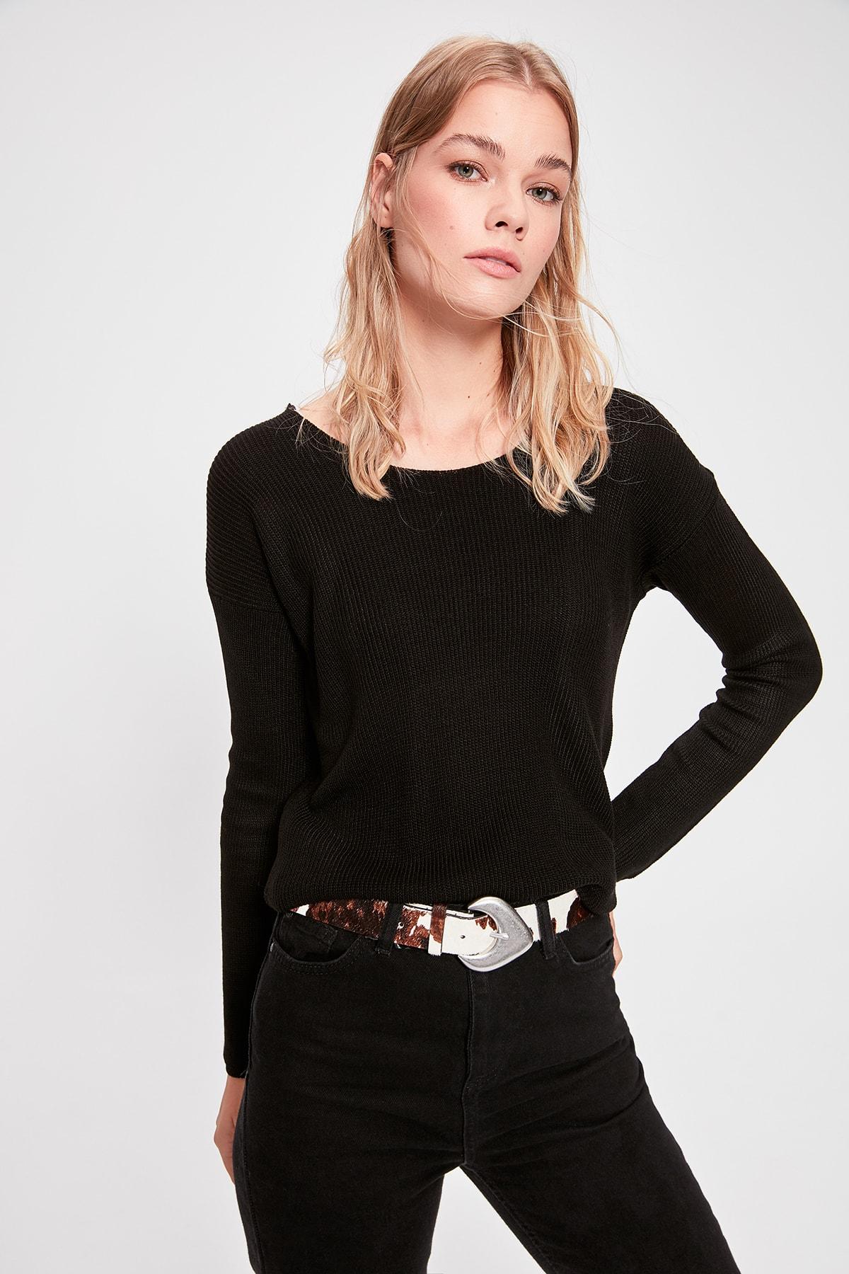 Trendyol Black Back V Sweater Sweater TWOAW20FH0036