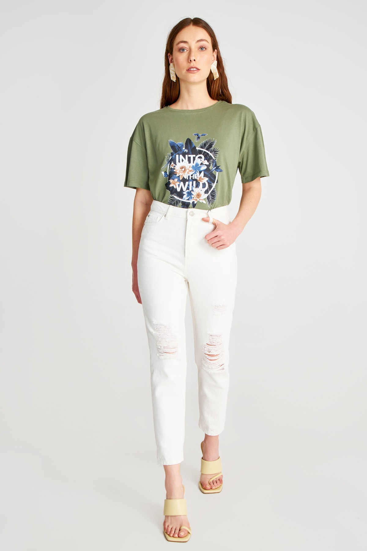 Trendyol Ripped Detailed High Bel Mom Jeans TWOSS20JE0437