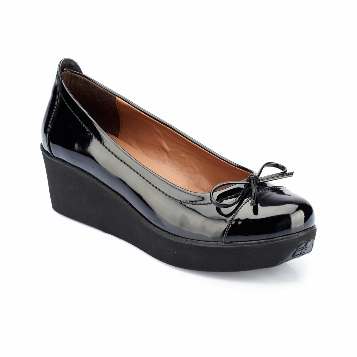 FLO 82. 307642.Z Black Women Shoes Polaris