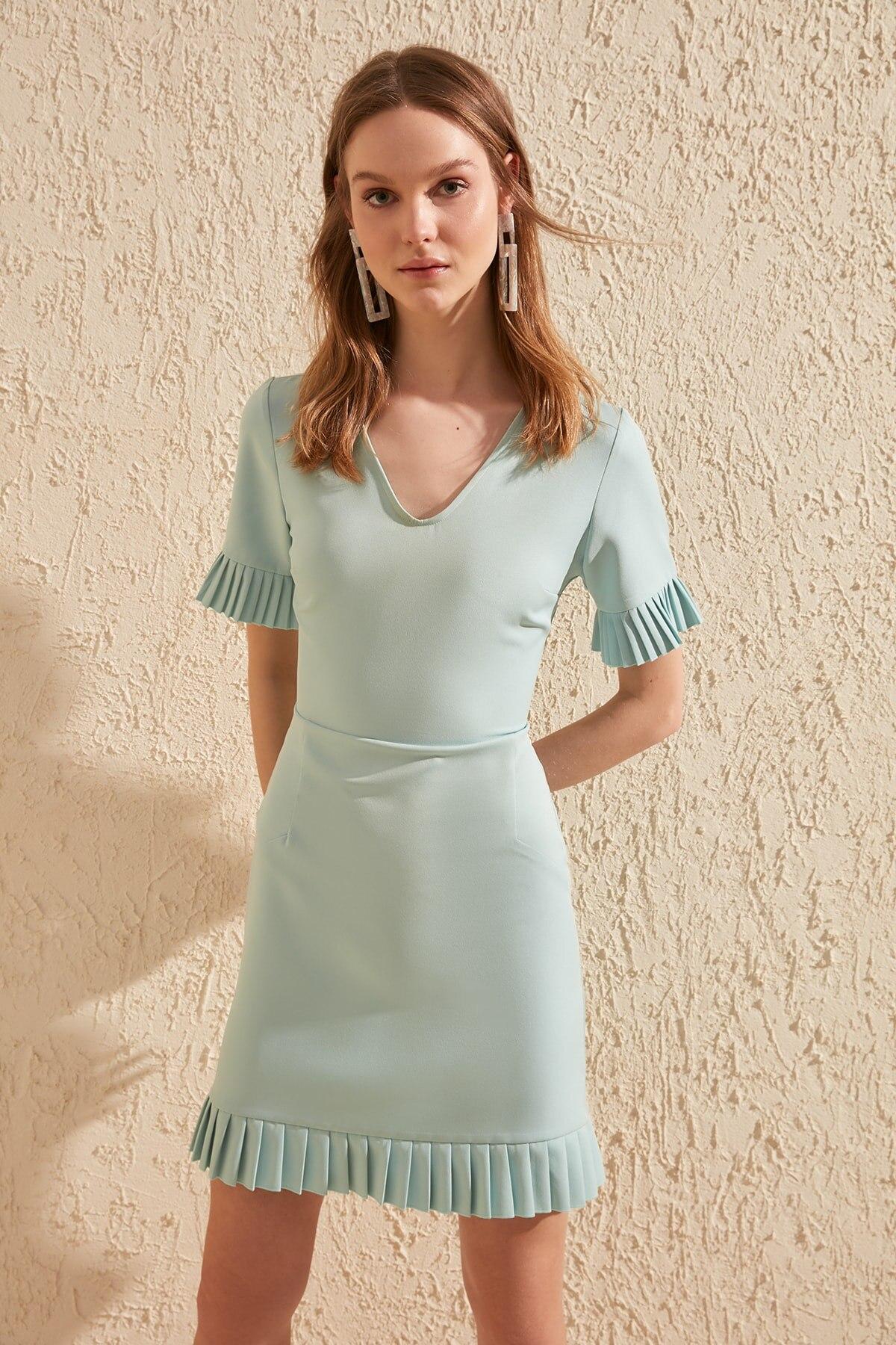 Trendyol Sleeve And Hem Detail Dress TWOSS20EL0512
