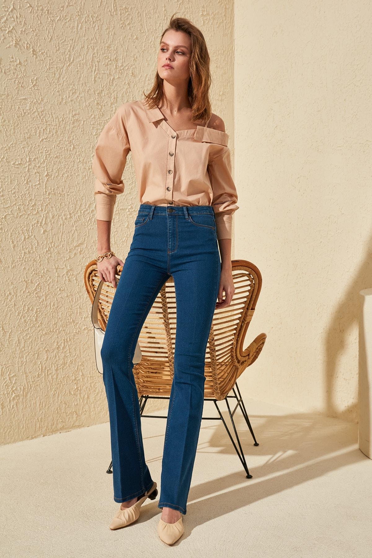 Trendyol High Waist Flare Jeans TWOSS20JE0186