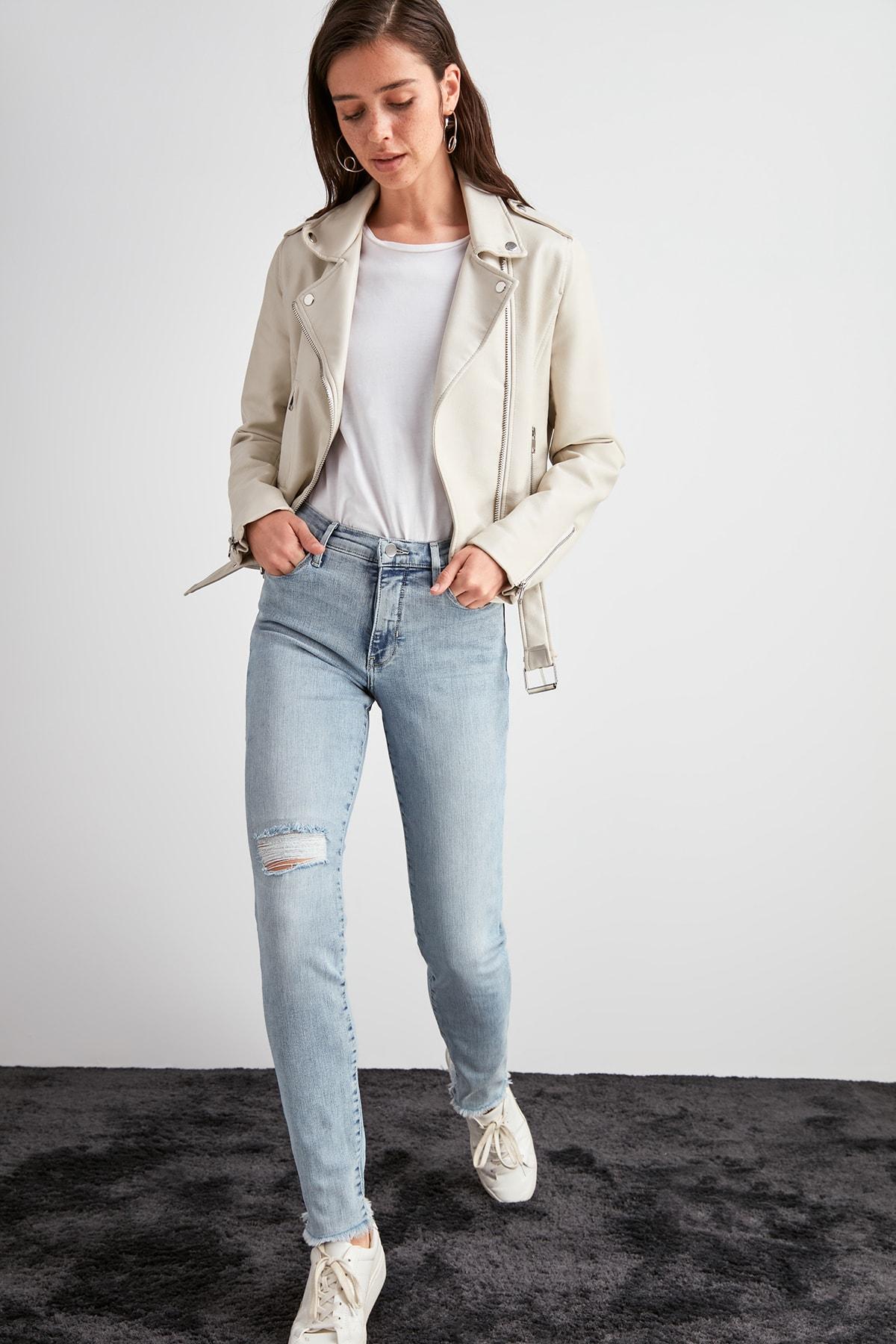 Trendyol Yırtıklı Normal Waist Skinny Jeans TWOAW20JE0469