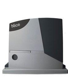 Maquinaria automática Nice RD400 para puertas correderas con Amplia apertura de hasta 6 m y peso de hasta 400 kg.