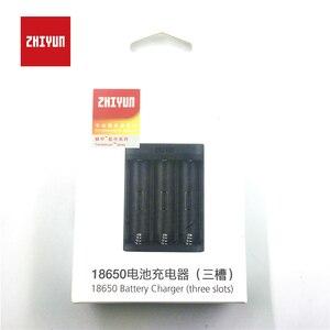 Image 2 - ZHIYUN cargador de batería oficial 18650, 3 ranuras para batería 18650 para grúa 2, estabilizador de mano, cardán, Color negro