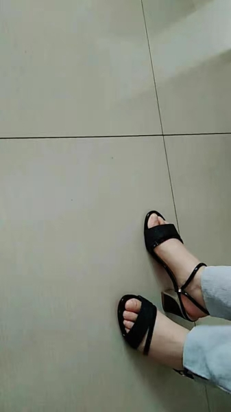 Mid heel Strap Sandals photo review
