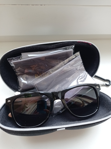 <strong>BARCUR Square</strong> - Black Mirror Sunglasses Anti-Reflection For Men & Women photo review