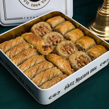Tradycyjne świeże pyszne premium mieszane turecki baklawa z orzecha włoskiego Deser Baklava turecka znana marka orzech baklawa tanie i dobre opinie HAFIZ MUSTAFA TR (pochodzenie) Gotowanie pochodnie Deser narzędzia
