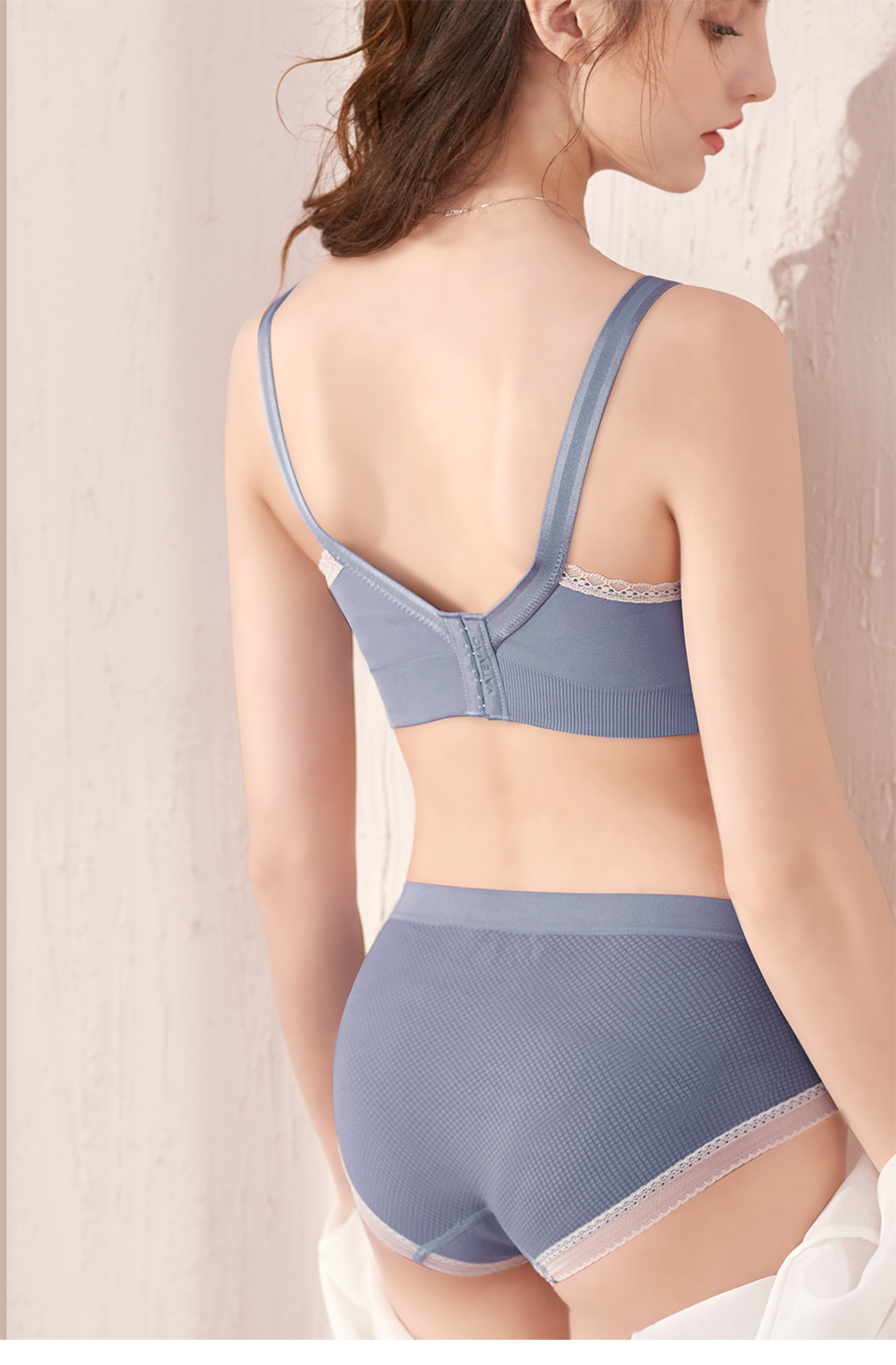 We find that the best way to calculate what size nursing bra you'll need, is to take your measurements at 26 weeks and add 1 additional cup size and 1 additional band size to your bra size