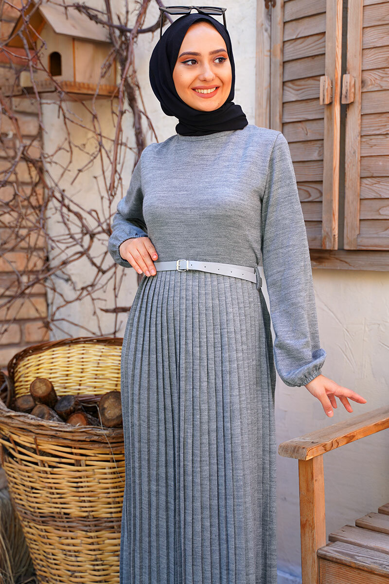 kemerli-model-etegi-piliseli-gri-triko-elbise-triko-elbise-hbs-210436-45-B