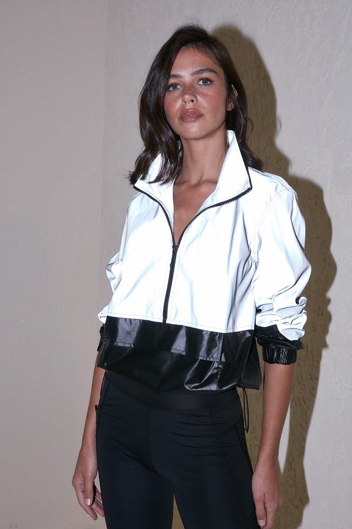 Trendyol Reflektörlü Kangaroo Coat TWOSS20MO0057