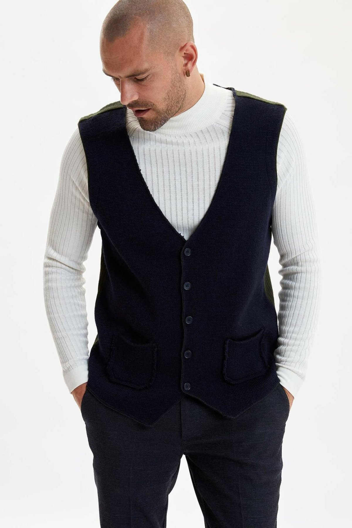 DeFacto Man Spring Knitted Vest Men Casual Pocket Decors Vest Tops Male Black Green Color Vest-I3539AZ18SP