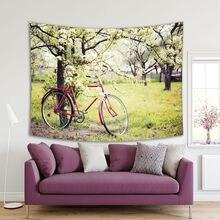 Vintage bicicleta esperando cerca del árbol contra la primavera naturaleza Remantic escena en verde y rojo imagen tapiz