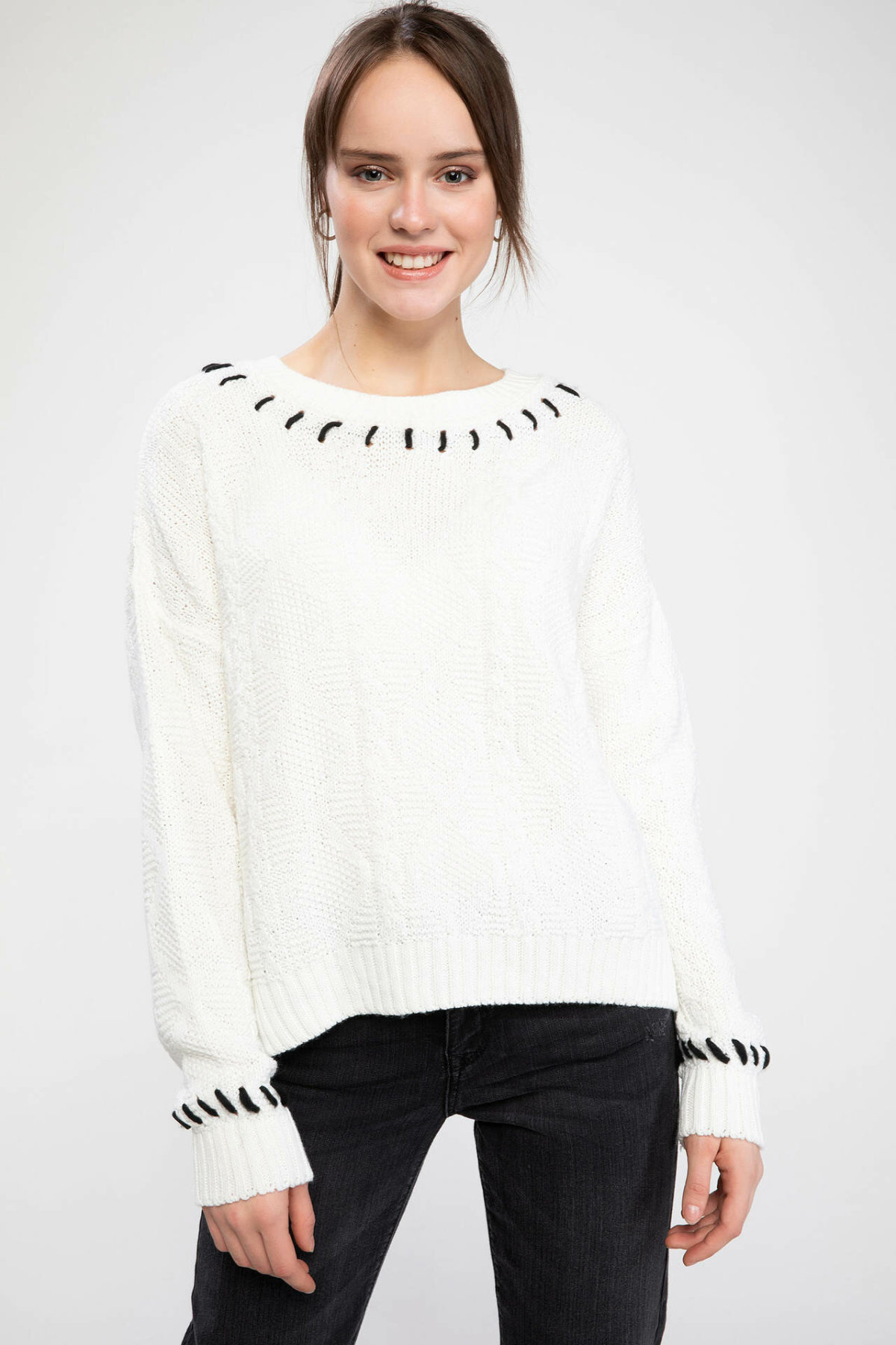 DeFacto Women Fashion Chic Collar Knitted Pullovers Fashion O-neck Simple Knitted Comfort Sweatshirt Female New-J2220AZ18WN