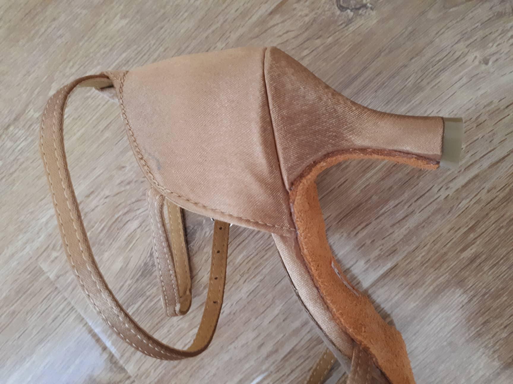 -- Sapatos Latina Mulheres