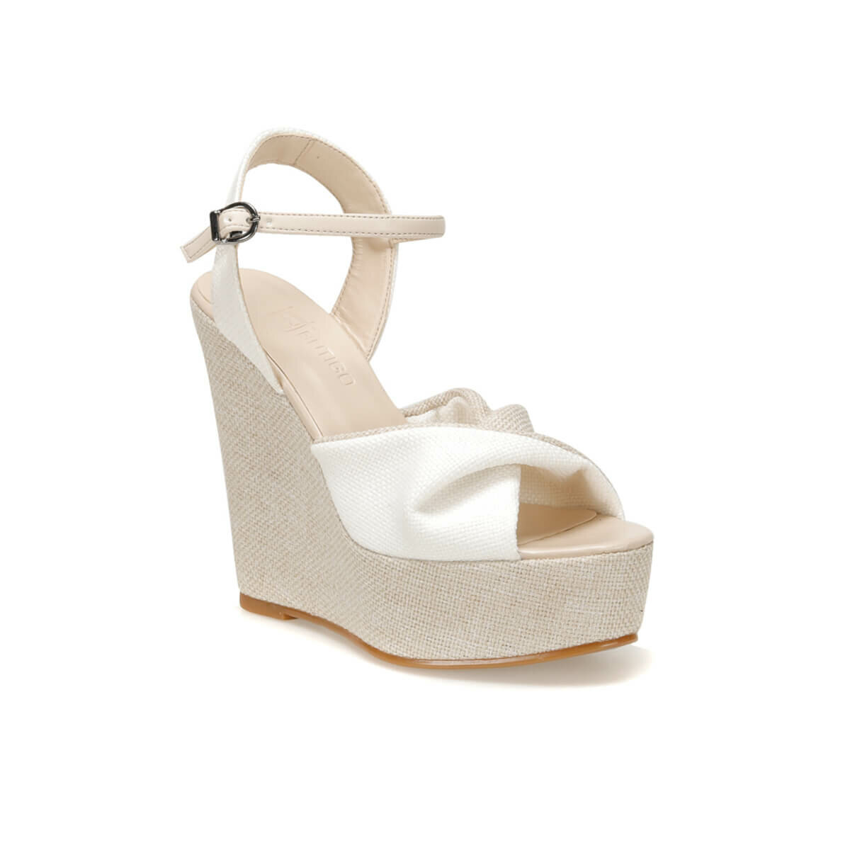 FLO MERIH01Z White Women Sandals BUTIGO