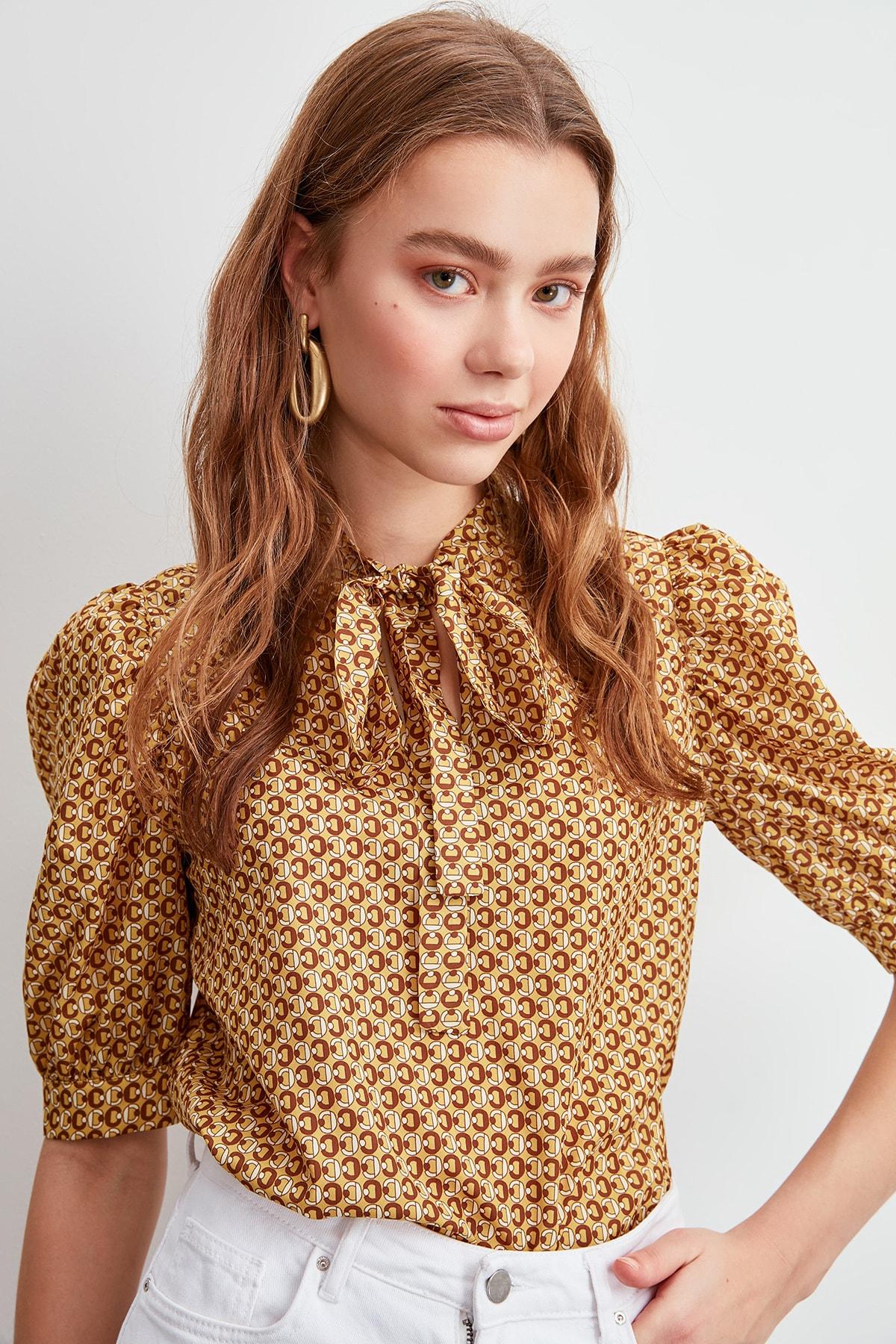 Trendyol Collar Detailed Bluz TWOSS20BZ0029