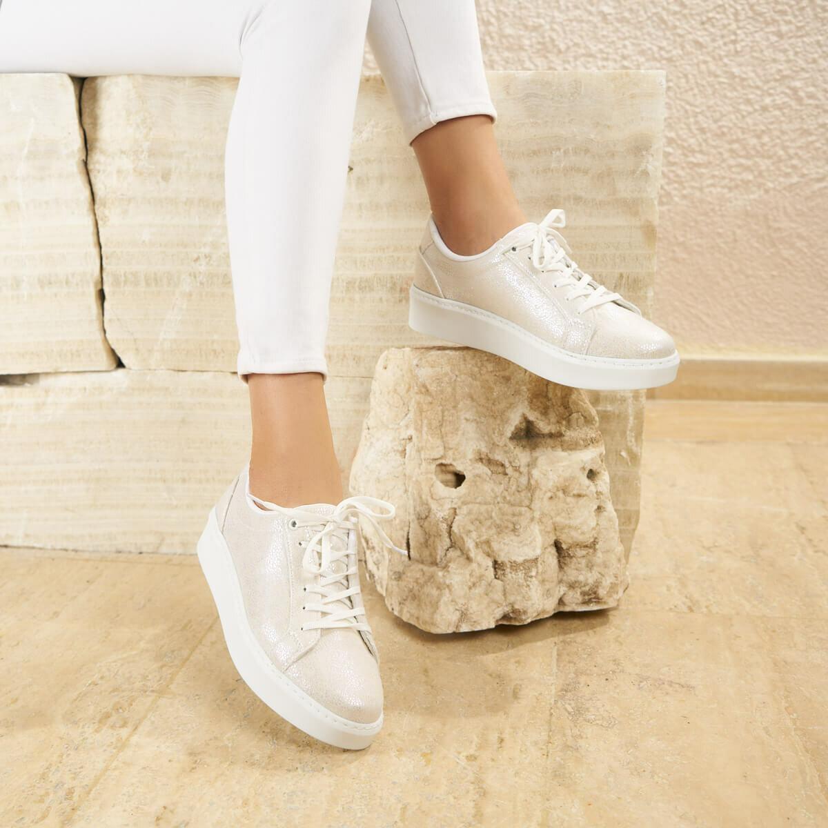 FLO MAZZOLA03Z SKIN PEARL Women 'S Sneaker Shoes BUTIGO