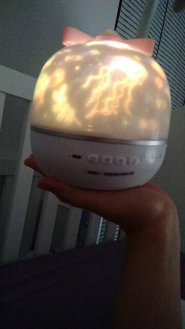 Projecteur de musique veilleuse avec haut-parleur BT univers rechargeable ciel étoilé rotation lampe à LED coloré clignotant éto