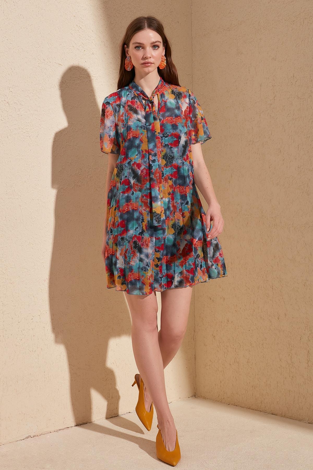 Trendyol Piliseli Scarf Collar Dress TWOSS20EL1256