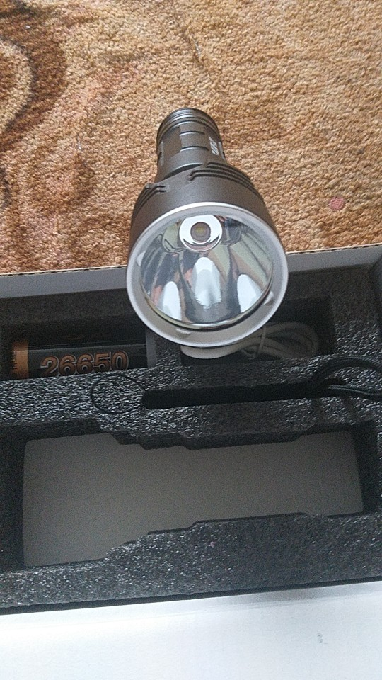 Torche à LED HP50 USB Rechargeable étanche (Portée jusque 1Km)