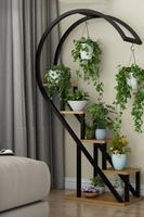 Estante de flores en forma de corazón para el hogar, estante de decoración de balcón de espacio especial de varios niveles, organizador de habitación de metal