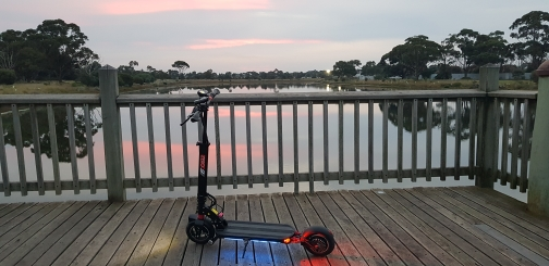 Single - Engine Two - Wheel Electric Scooter photo review