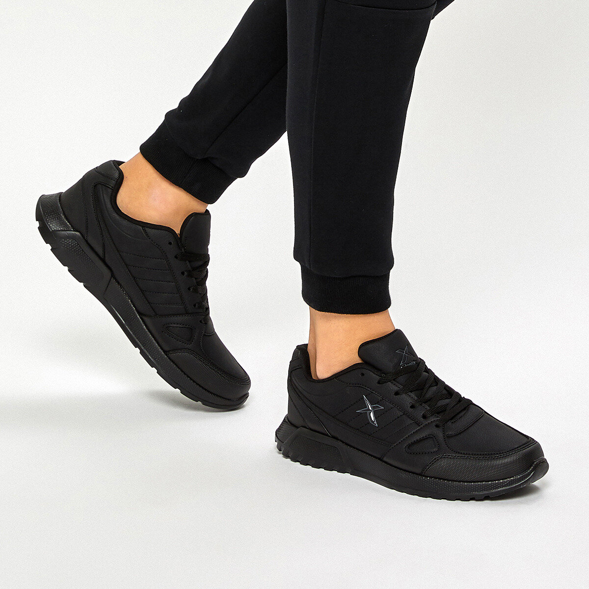 FLO GORDEN M 9PR Black Men 'S Sneaker Shoes KINETIX