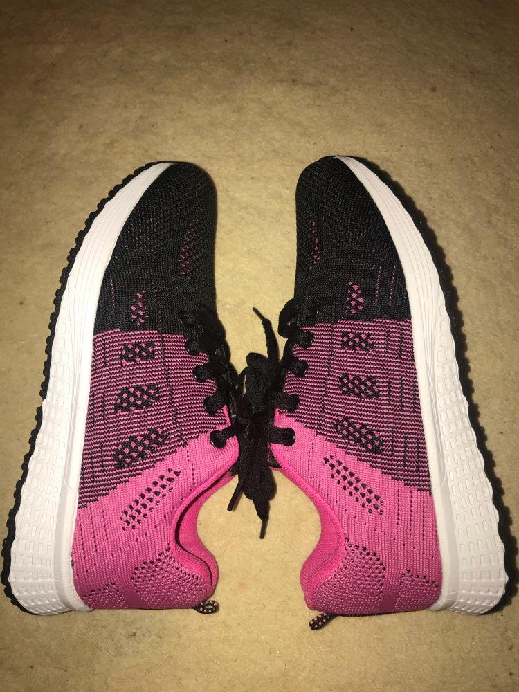 -- mulher correndo sapatos