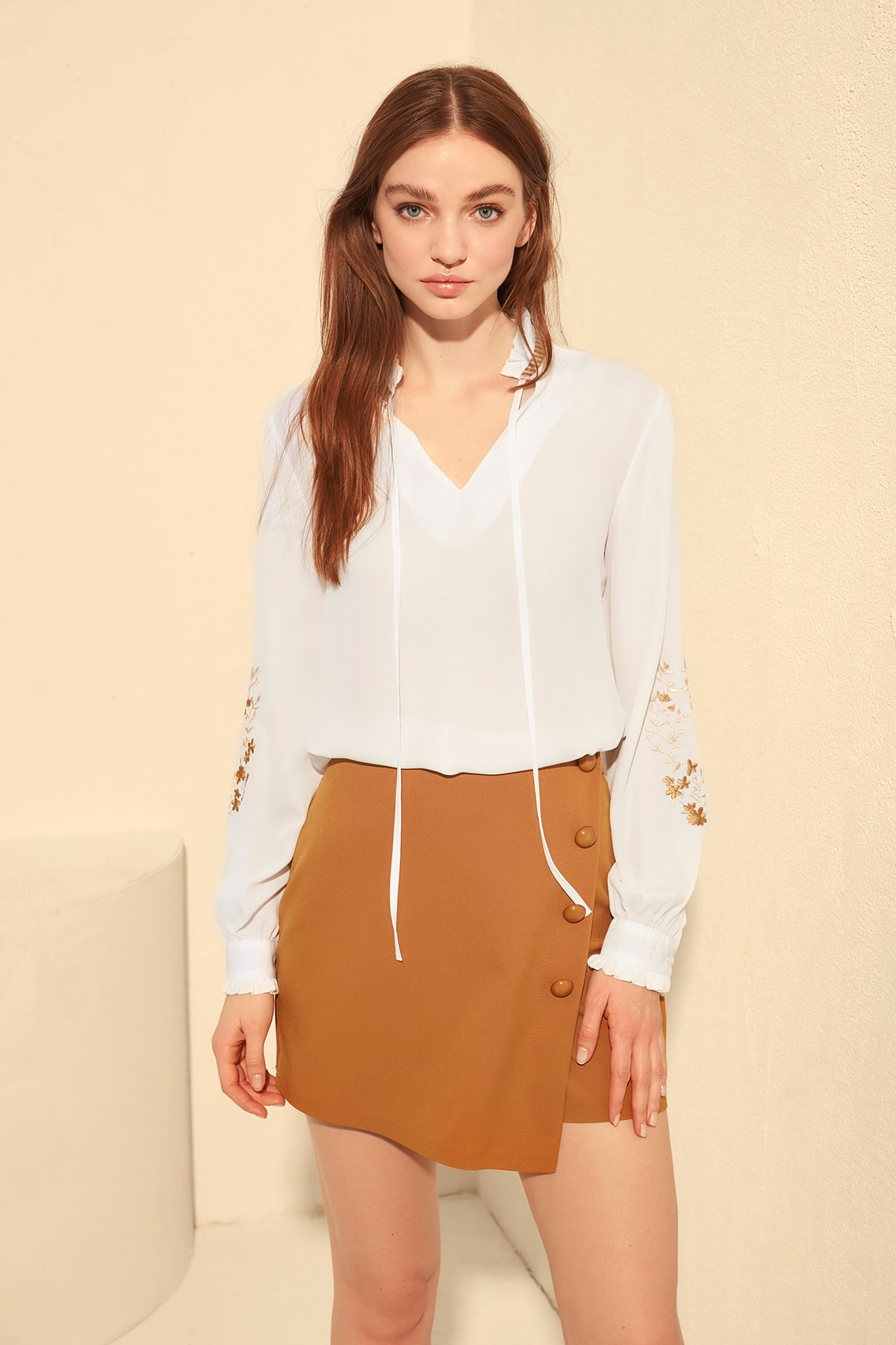 Trendyol Embroidered Blouse TWOSS20BZ0251