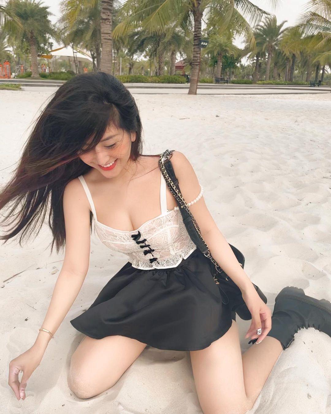 越南超人气网美「Chin」逆天身材看着就肾上激素上升~插图6