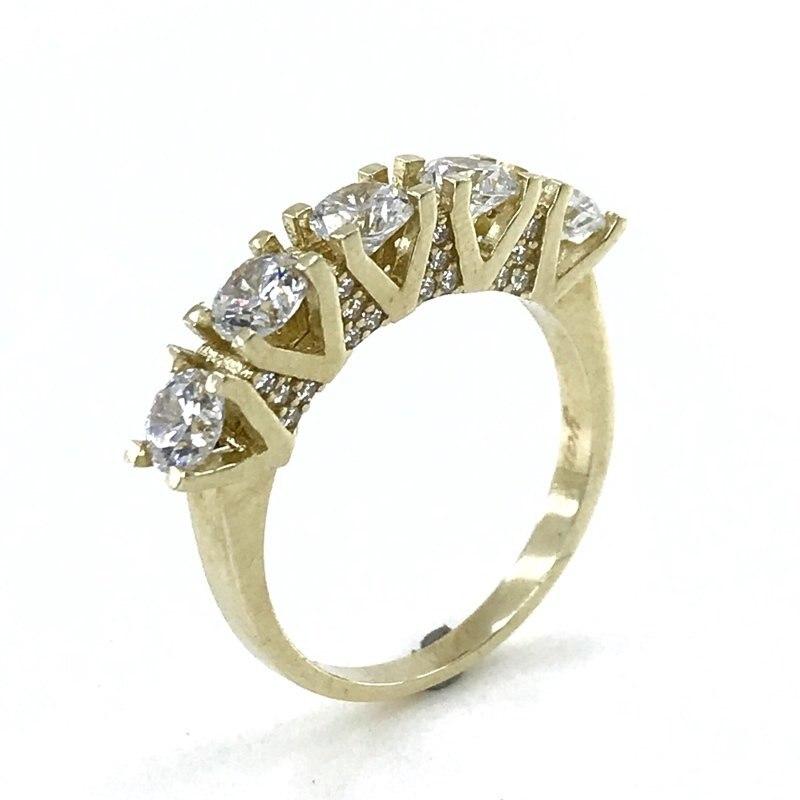 Diamond Workmanship 8 K Gold Dibs Ring