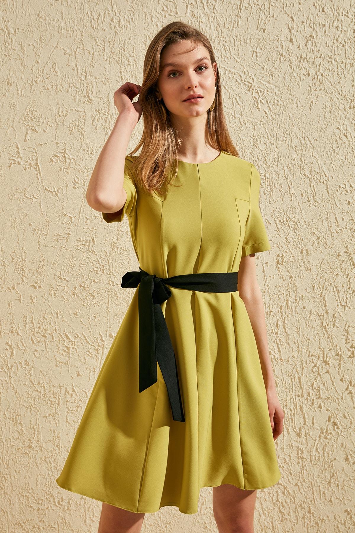 Trendyol Contrast Belted Dress TWOSS20EL1308