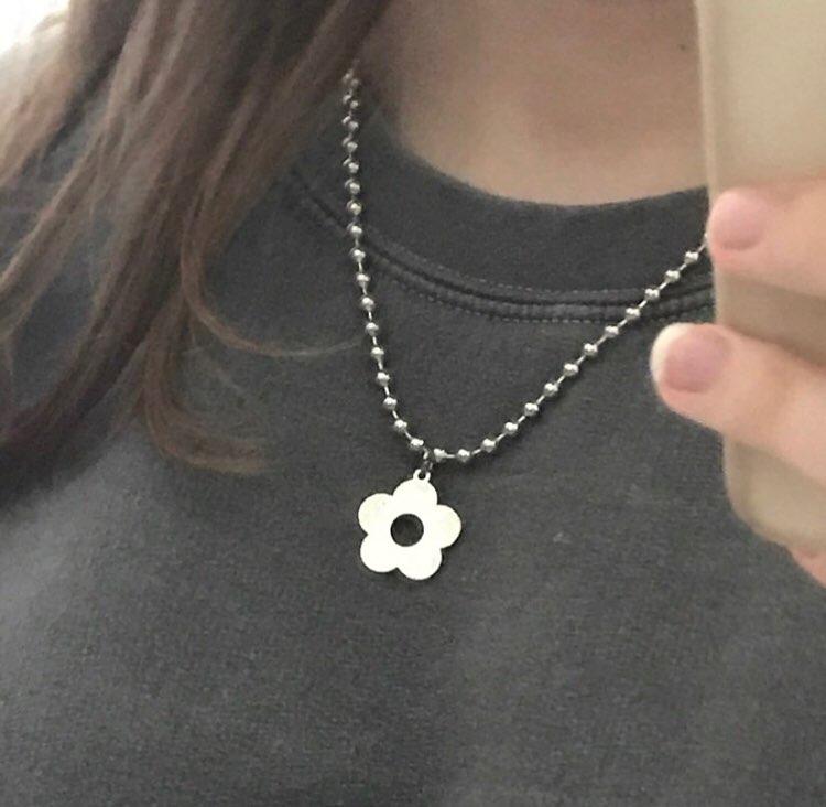 Harajuku Kawaii Necklace with Flower Anime E-girl photo review