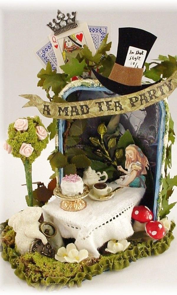 《爱丽丝梦游仙境》封面图片