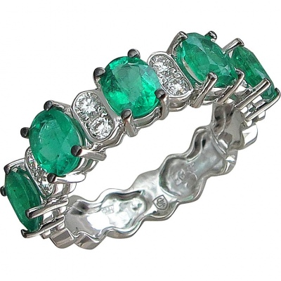 Esthete Ring With Emeralds And Diamonds In White Gold
