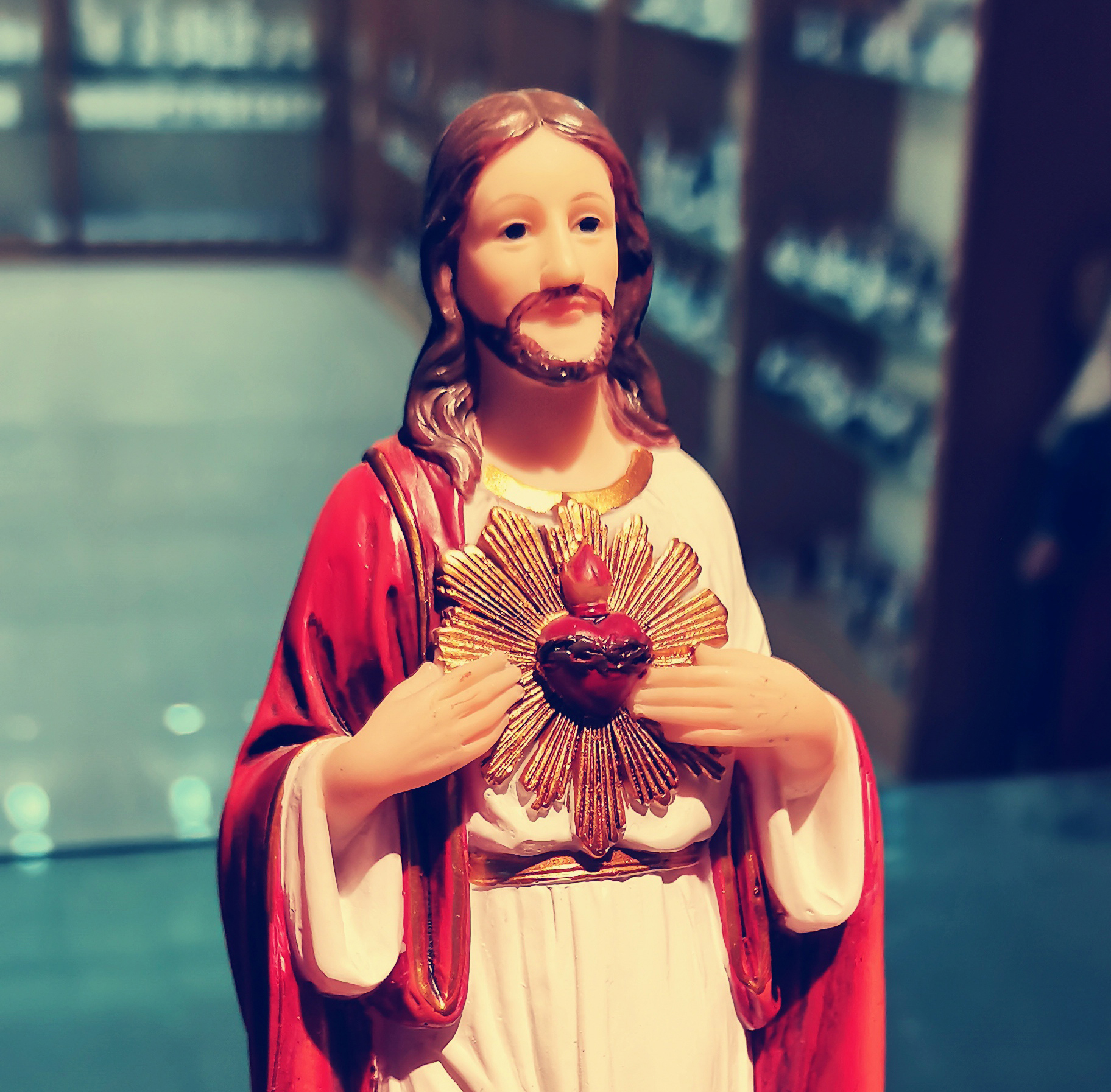 Jesus Statue With Sacred Heart For home Decoration