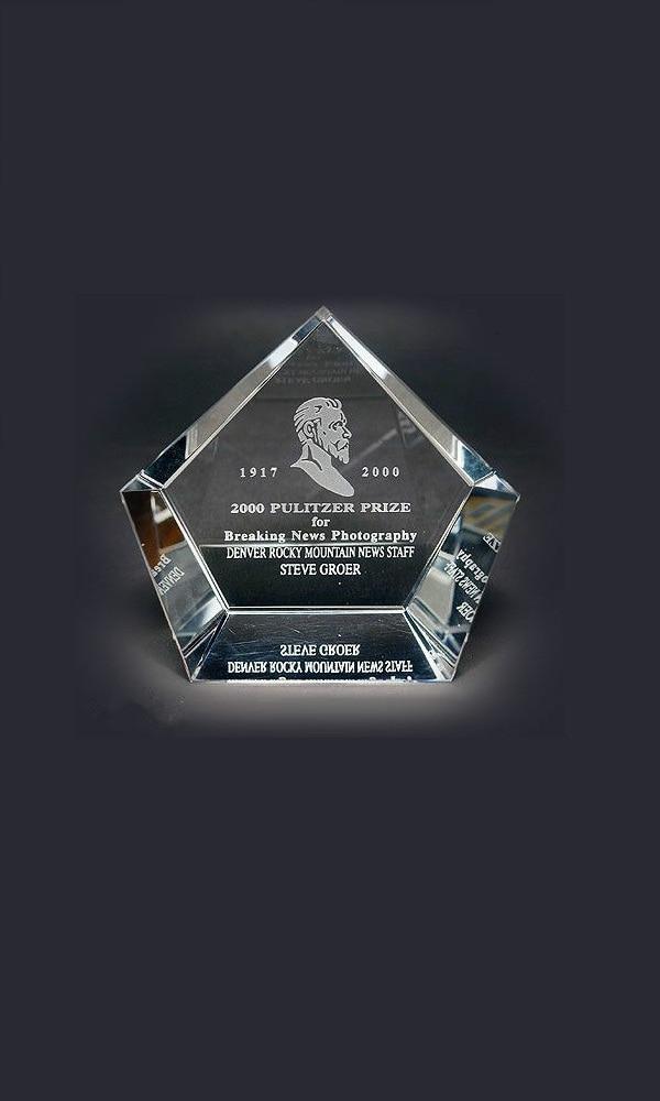 《普利策奖》封面图片