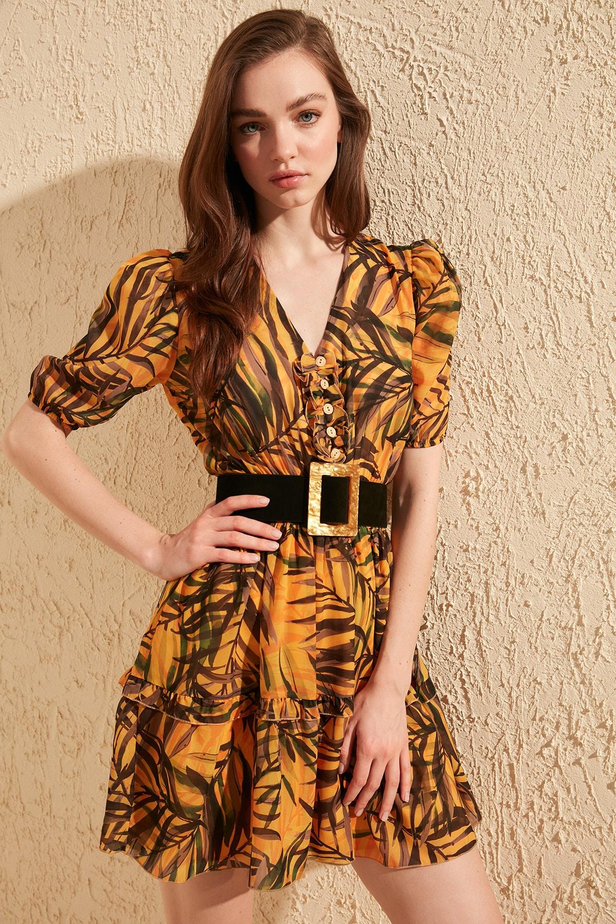Trendyol Gipe Detail Dress TWOSS20EL0632
