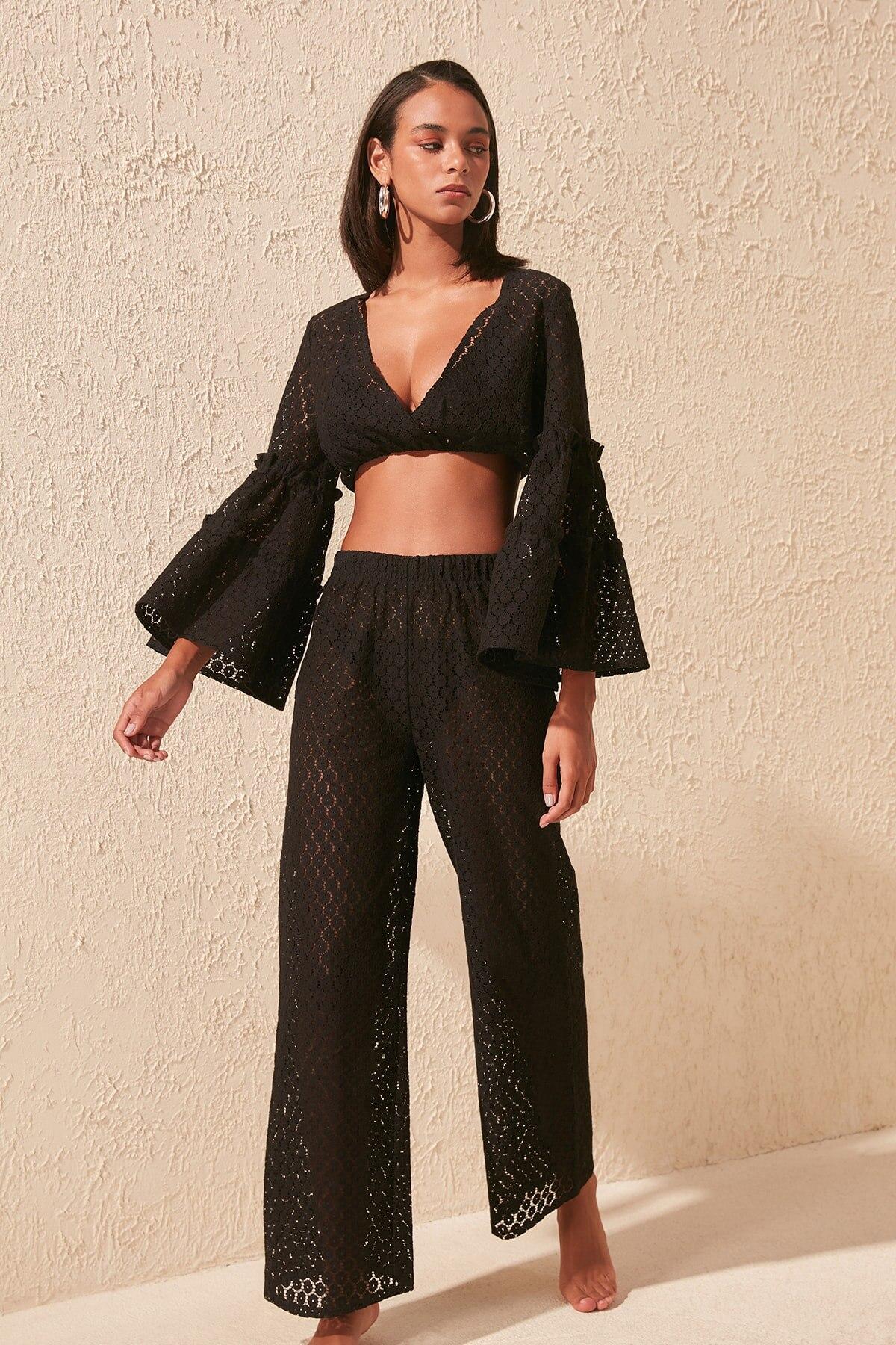 Trendyol Lace Knit Bottom-Top Suit TBESS20AU0023