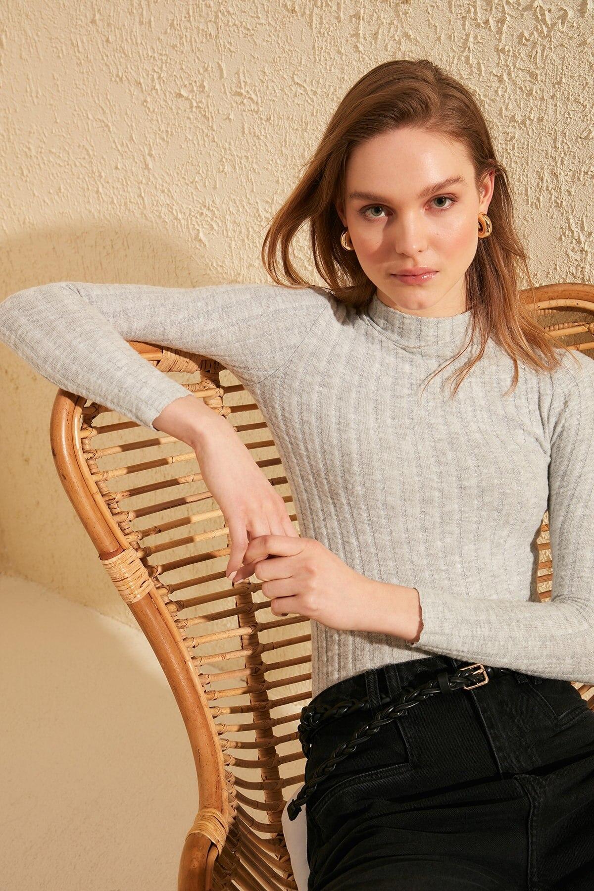 Trendyol Sheer Neckline Ribbed Knitted Blouse TWOSS20BZ0476