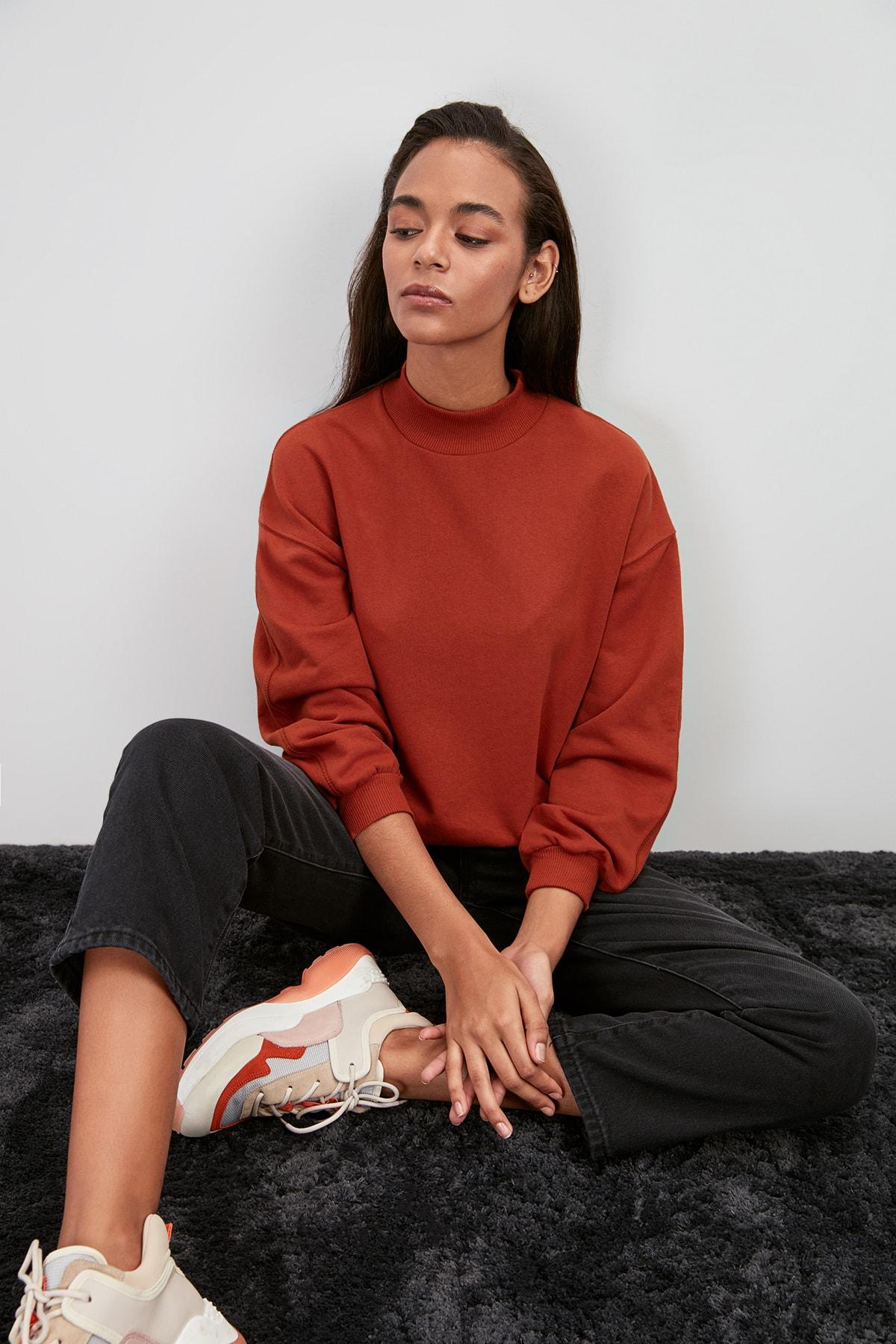 Trendyol Upright Collar Knitted Sweatshirt TWOAW20SW0584