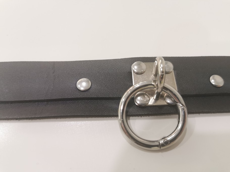 Leather Wristband with ring Gothic photo review