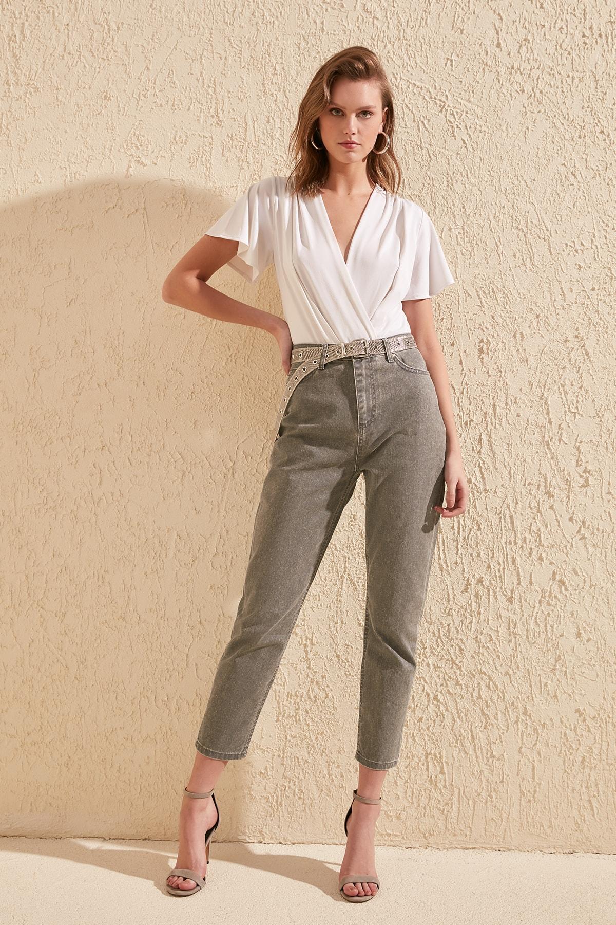 Trendyol Coated High Bel Mom Jeans TWOSS20JE0208