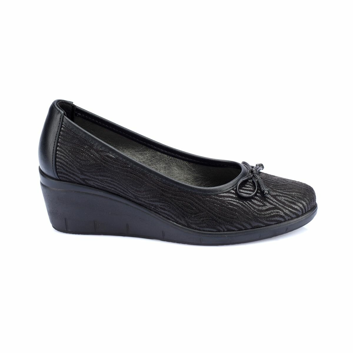 FLO 82.150005RZ Black Women Shoes Polaris