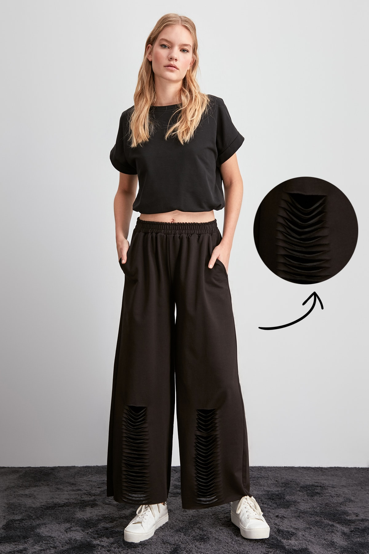 Trendyol Cut-Outs Detail Knit Sweatpants TWOAW20EA0023