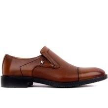 Fosco-tan masculino sapatos casuais de couro 2020 novos oxfords couro sapatos masculinos moda casual deslizamento em negócios formais vestido de casamento sapatos transporte da gota
